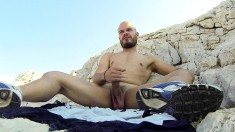Attractive stud Alex Iron gets fully naked and pleases himself outside