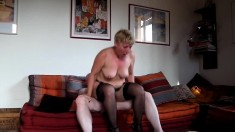 Mature british lady in stockings goes lesbian