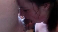 Ung flicka deepthroat