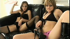 Striking lesbians Charlie Laine and Tyla Wynn please each other's hungry holes