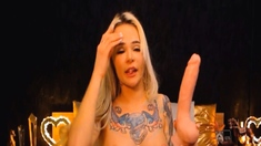 Blonde Babe Fucking Her Honeycomb Hard And Deep