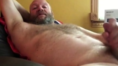 Sexy Bear Stroking His Thick Cock Until Eruption